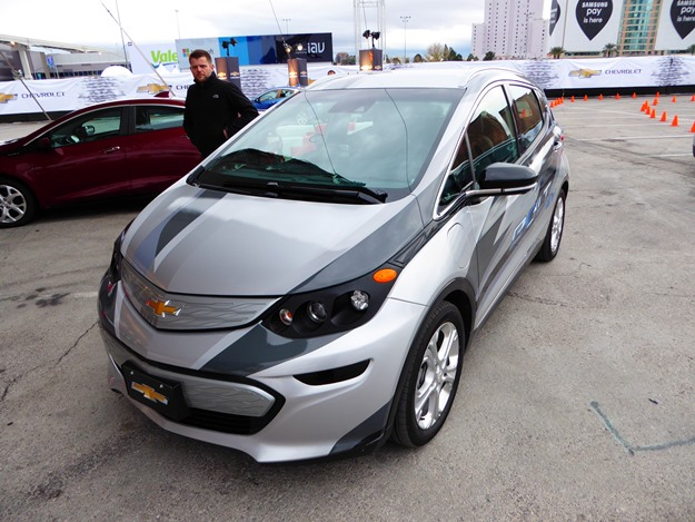 Ironically, GM achieved 200 miles of range in an electric car. It's called the Chevy Bolt, and it has conventional lithium batteries--and a lightweight structure. (Jim Motavalli photo)