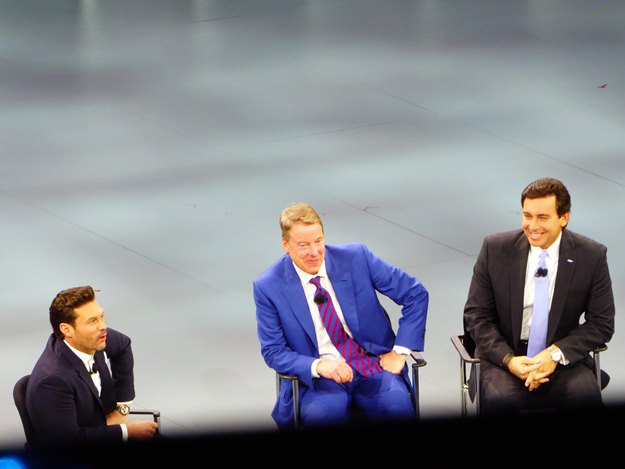 Ye, that's Ryan Seacrest at left with Bill Ford (in the middle) and Mark Fields. (Jim Motavalli photo)