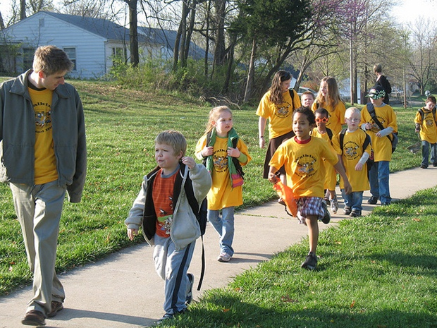 Walking school bus programs like this one in Missouri would lose federal funding. (Flickr/MoBikeFed)
