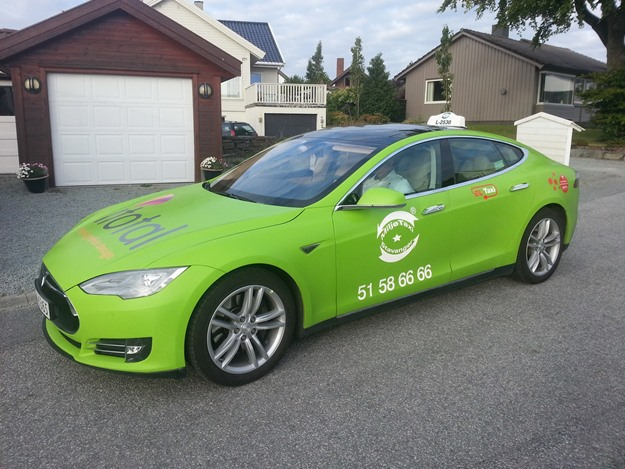 The Tesla taxi in Norway, where electric cars enjoy massive government subsidies. (Green Car Reports)
