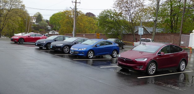 The green car lineup at the Fourth Annual EV Road Rally. Yeah, a lot of Teslas. (Jim Motavalli photo)
