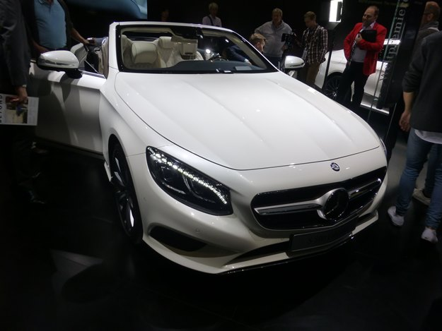 It's so nice to see that the 1% have so many options. Here's Benz' S-Class Cabriolet. (Jim Motavalli photo)