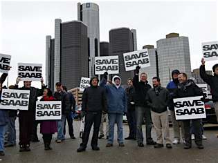 Loyal Saab owners rally in 2009 to save the brand from GM liquidation. (Photo courtesy of Ryan Emge)