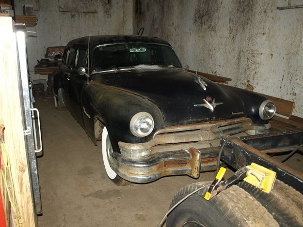 This beat-up 1953 Chrysler Imperial limo definitely was Mamie's car. (Steve Magnante photo)