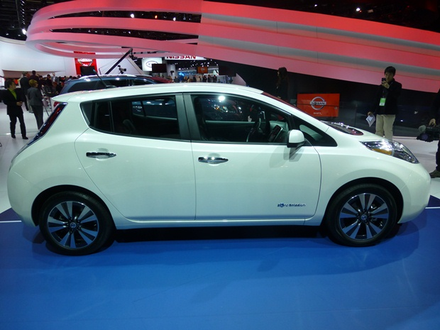 The Nissan Leaf just benefited from a $6,000 entry-level price cut. The public wants affordable EVs. (Jim Motavalli photo)