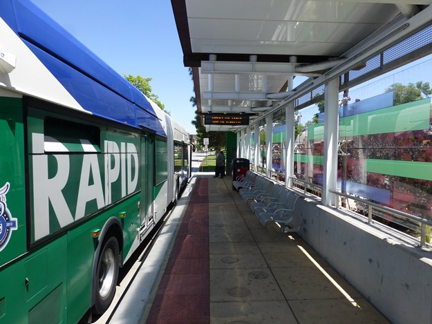 One Reno's rapid transit buses quietly lies in wait for unsuspecting passengers. (Jim Motavalli photo)