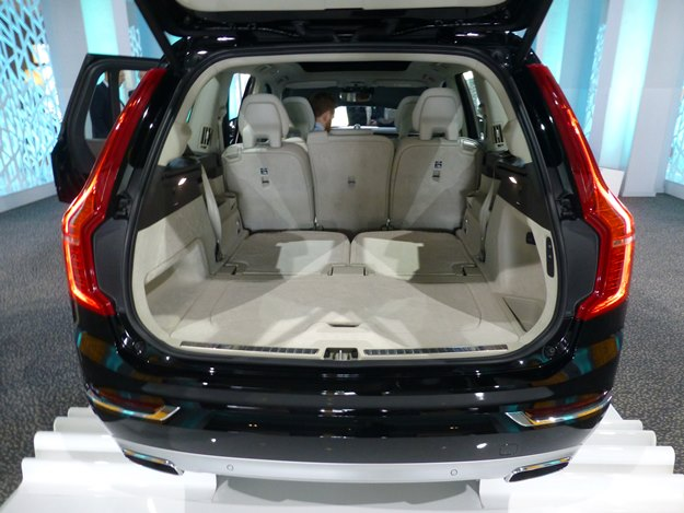 blog post a green choice for suburbia volvo 39 s seven seat 59 mpge plug in hybrid car talk. Black Bedroom Furniture Sets. Home Design Ideas
