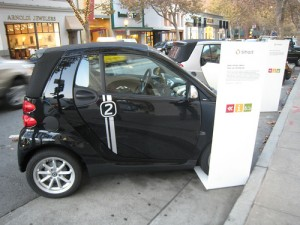 Charging EVs takes between 30 minutes and 12 hours. (Flickr photo)
